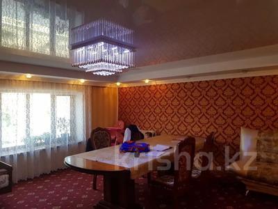 9-комнатный дом, 300 м², 7 сот., 2 Заречная 11 за 27 млн 〒 в Таразе — фото 9