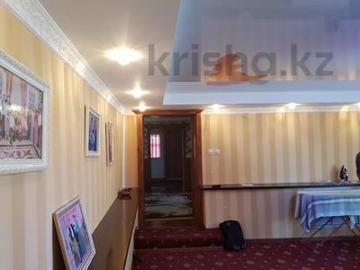 9-комнатный дом, 300 м², 7 сот., 2 Заречная 11 за 27 млн 〒 в Таразе — фото 10
