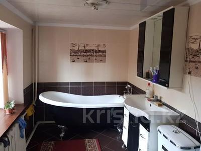 9-комнатный дом, 300 м², 7 сот., 2 Заречная 11 за 27 млн 〒 в Таразе — фото 15
