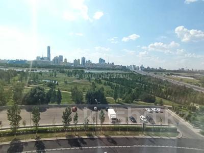4-комнатная квартира, 190 м², 4/18 этаж помесячно, Байтурсынова 1 за 430 000 〒 в Нур-Султане (Астана), Алматы р-н — фото 8