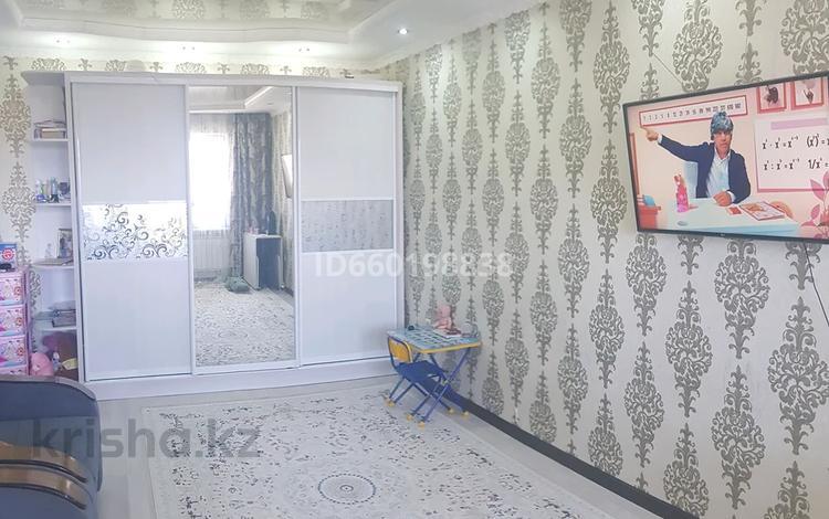 1-комнатная квартира, 40 м², 5/6 этаж, мкр Кокжиек 33 за 13 млн 〒 в Алматы, Жетысуский р-н