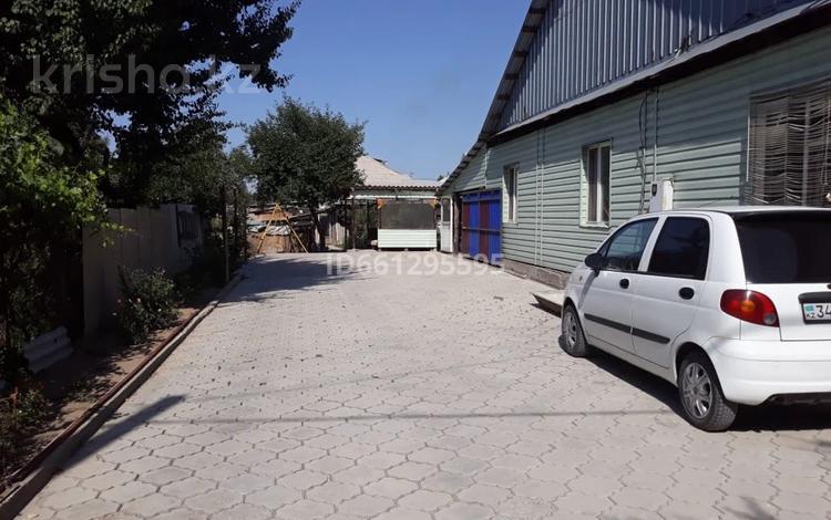 4-комнатный дом, 96 м², 8 сот., Наурызбай батыра 49 — Аль-Фараби за 26 млн 〒 в