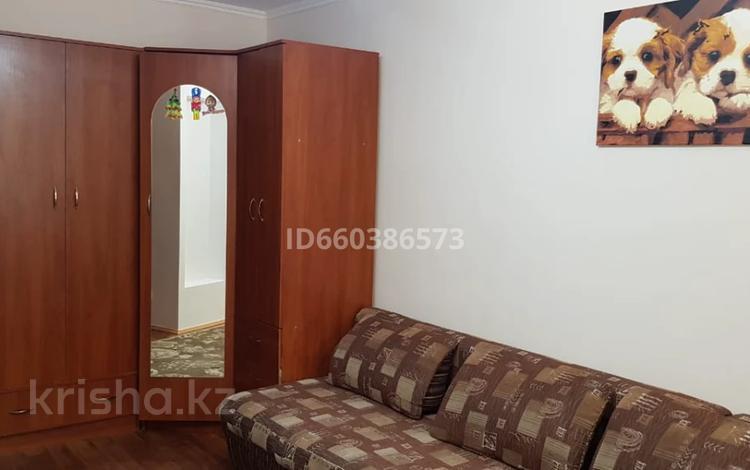 1-комнатная квартира, 35 м², 1/5 этаж помесячно, Ташенова 8/3 за 95 000 〒 в Нур-Султане (Астана), р-н Байконур
