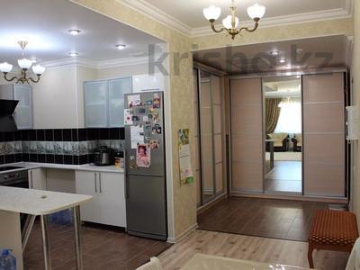 3-комнатная квартира, 90 м², 18/25 этаж, 15-й мкр 69 за 32 млн 〒 в Актау, 15-й мкр — фото 3