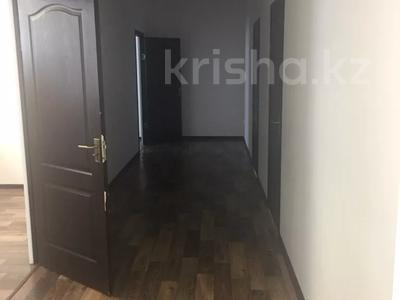 Офис площадью 156 м², Мурата Монкеулы 75 за 34 млн 〒 в Уральске — фото 6