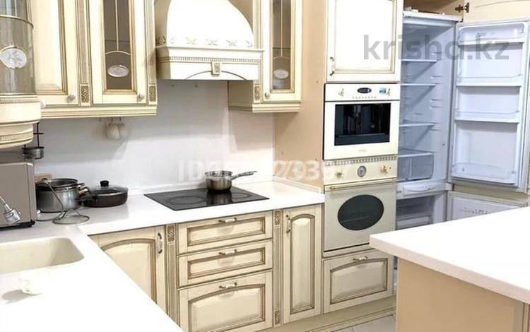 5 комнат, 205 м², Кунаева 12 — Акмешит за 35 000 〒 в Нур-Султане (Астана), Есиль р-н