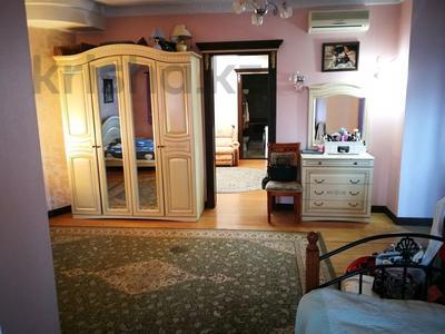 7-комнатная квартира, 332 м², 6/7 этаж, Есенберлина 155 — Орманова за 102.7 млн 〒 в Алматы, Медеуский р-н — фото 31
