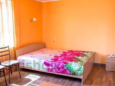 1-комнатная квартира, 33 м², 5/5 этаж посуточно, Гоголя 80 — Баймагамбетова за 5 000 〒 в Костанае — фото 3