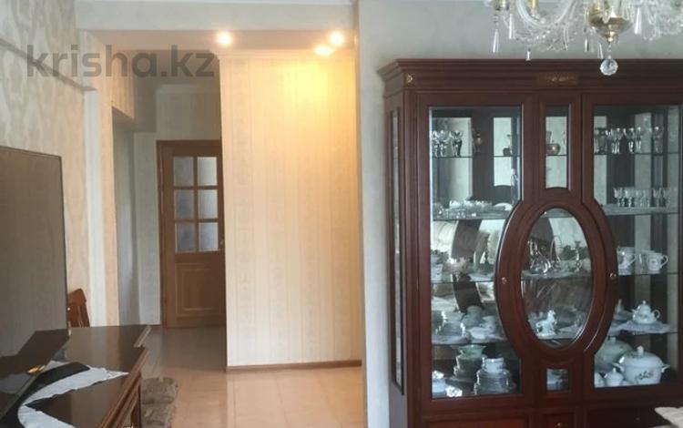 3-комнатная квартира, 96 м², 5/5 этаж, Жамбыла — Исаева за 45.9 млн 〒 в Алматы, Алмалинский р-н