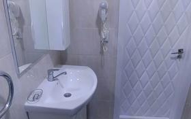 2-комнатная квартира, 80 м², 36/36 этаж посуточно, Достык 5 — Сауран за 10 000 〒 в Нур-Султане (Астана), Есиль р-н