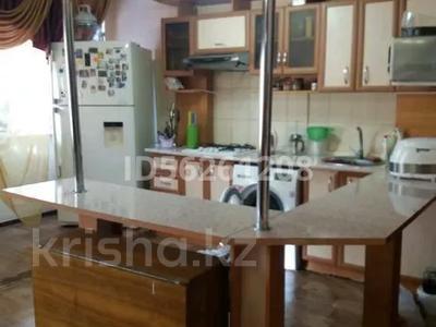 3-комнатная квартира, 86 м², 1/5 этаж посуточно, Самал 21 за 12 000 〒 в Талдыкоргане