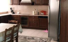8-комнатный дом помесячно, 450 м², Мкр Самал-3 за 1.3 млн 〒 в Алматы, Медеуский р-н