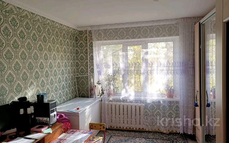 3-комнатная квартира, 60 м², 3/5 этаж, Ул.Гришина 74 за 13 млн 〒 в Актобе, мкр 8
