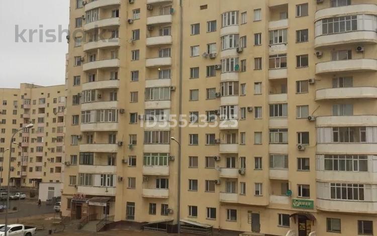 2-комнатная квартира, 56 м², 10/12 этаж, 33 21 за 10.8 млн 〒 в Актау