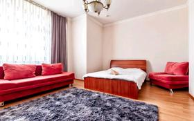 1-комнатная квартира, 60 м², 6/12 этаж посуточно, Сарайшык 34 за 8 000 〒 в Нур-Султане (Астана), Есиль р-н