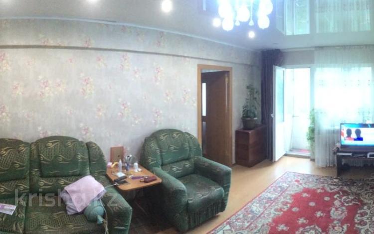 2-комнатная квартира, 46 м², 2/5 этаж, Бурова 37 за 13 млн 〒 в Усть-Каменогорске