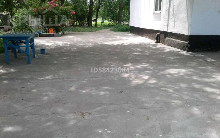6-комнатный дом, 112 м², 28 сот., Кайрат, Рыскулова 13 за 8 млн 〒 в Алматинской обл., Кайрат
