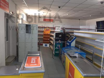 Магазин площадью 434 м², Мкр привокзальный 86 за 200 000 〒 в Макате — фото 2