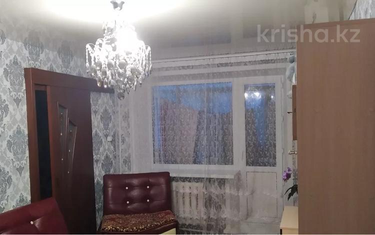 3-комнатная квартира, 42.3 м², 4/6 этаж, Строителей 22 за 13 млн 〒 в Караганде, Казыбек би р-н