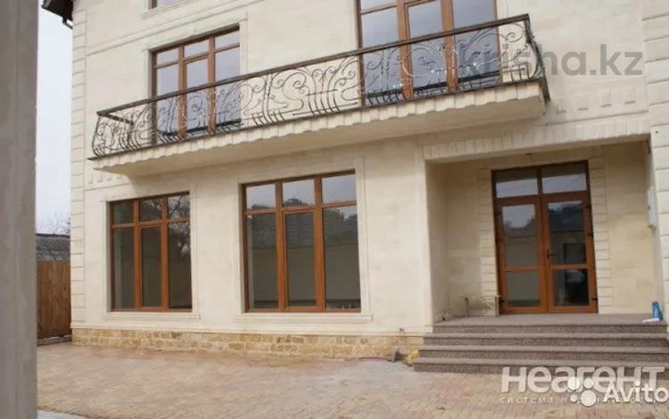 8-комнатный дом, 430 м², 4 сот., Слезнева 100 — Ялтинская за 21 млн 〒 в Краснодаре