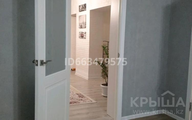 3-комнатный дом, 95 м², 3.8 сот., мкр Акбулак 3 — Жандилдина за 19 млн 〒 в Алматы, Алатауский р-н