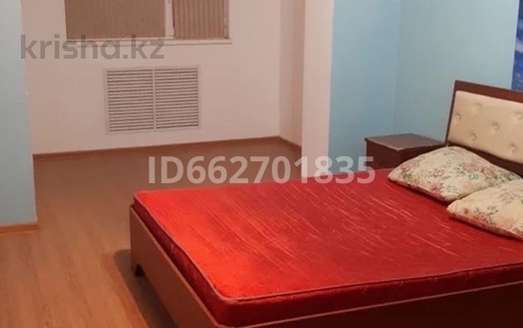 2-комнатная квартира, 56 м², 1/5 этаж помесячно, 11-й мкр 27 за 90 000 〒 в Актау, 11-й мкр