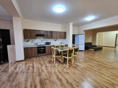 3-комнатная квартира, 140 м², 3/17 этаж помесячно, Розыбакиева 289 за 270 000 〒 в Алматы, Бостандыкский р-н — фото 14
