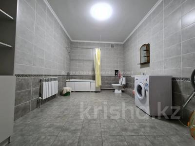 3-комнатная квартира, 140 м², 3/17 этаж помесячно, Розыбакиева 289 за 270 000 〒 в Алматы, Бостандыкский р-н — фото 32