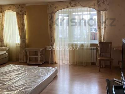 1-комнатная квартира, 34 м², 4/5 этаж помесячно, мкр Новый Город 32 — Ерубаева за 120 000 〒 в Караганде, Казыбек би р-н — фото 9