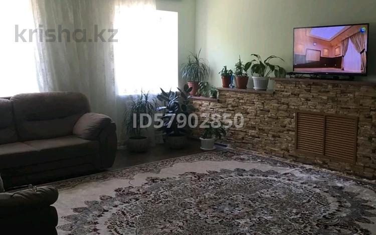 7-комнатный дом, 500 м², 10 сот., Мустафина за 130 млн 〒 в Нур-Султане (Астана), Алматы р-н
