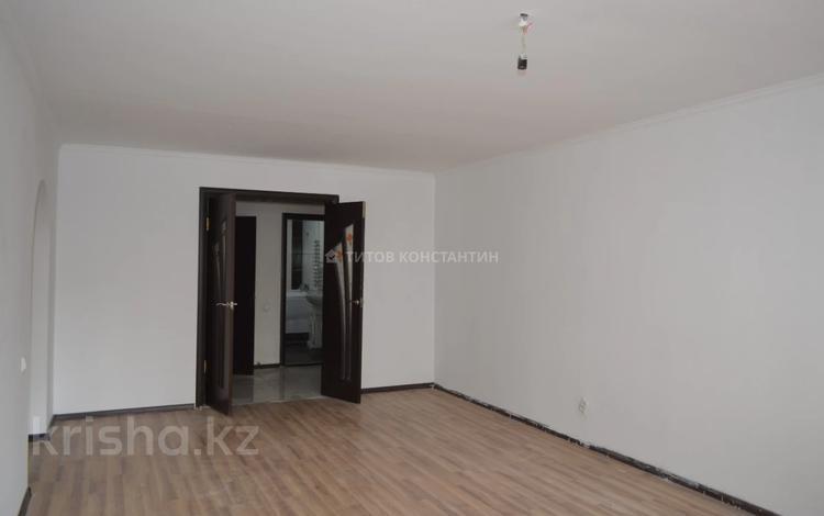 3-комнатная квартира, 96 м², 3/10 этаж, проспект Шакарима Кудайбердиулы за 26 млн 〒 в Нур-Султане (Астана), Алматы р-н