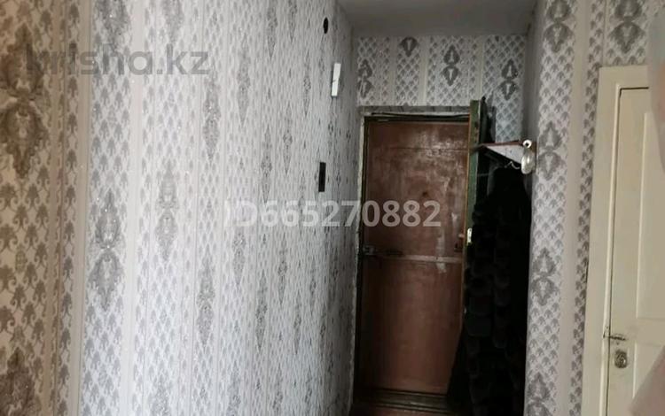 3-комнатная квартира, 55 м², 4/5 этаж, Ауэзова 42 за 6.5 млн 〒 в Аксу