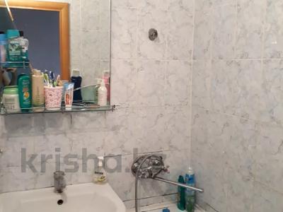3-комнатная квартира, 62 м², 3/5 этаж, 7 мкр. 64 за 11 млн 〒 в Темиртау — фото 6