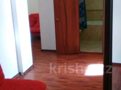 1-комнатная квартира, 65 м² посуточно, Сарыарка 40 за 9 000 〒 в Атырау — фото 3