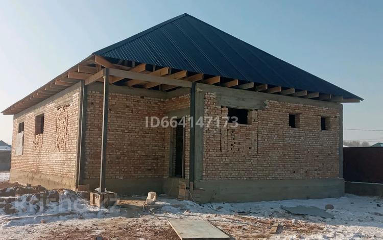 4-комнатный дом, 140 м², 9 сот., Қайназар Ұзынағаш 53 — Сарыбай би за 7.5 млн 〒 в Узынагаш