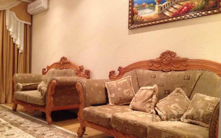 2-комнатная квартира, 78 м², 2/3 этаж помесячно, проспект Тауке хана за 140 000 〒 в Шымкенте, Аль-Фарабийский р-н