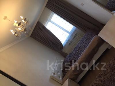 2-комнатная квартира, 85 м², 7/10 этаж посуточно, Еримбетова 78 А за 11 000 〒 в Шымкенте, Енбекшинский р-н