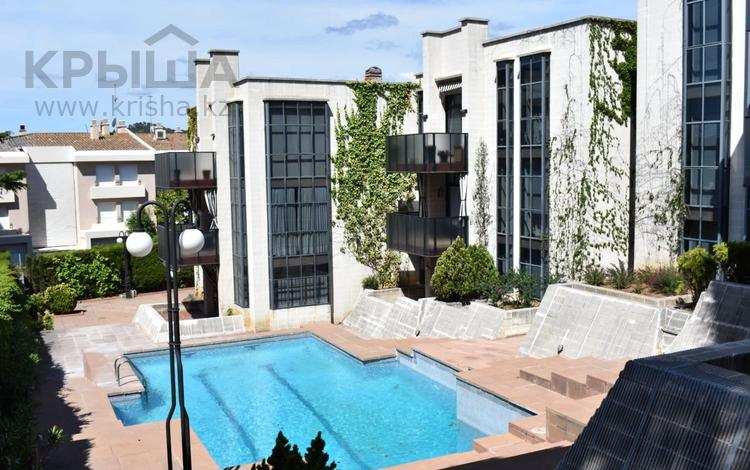 4-комнатная квартира, 100 м², 2/3 этаж, Paseo Torre 66 за ~ 168.3 млн 〒 в Багуре