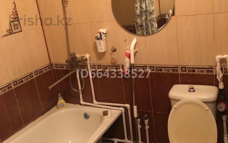 1-комнатная квартира, 32 м², 1/5 этаж, Молдагалиева 26 за 6.8 млн 〒 в Атырау