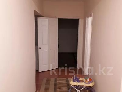 2-комнатная квартира, 84 м², 3/5 этаж, Мустафина 1/3 — Абылай хана за 22.8 млн 〒 в Нур-Султане (Астана), Алматы р-н