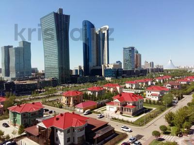 1-комнатная квартира, 50 м², 9/12 этаж посуточно, Сарайшык 34 — Акмешит за 9 000 〒 в Нур-Султане (Астана)