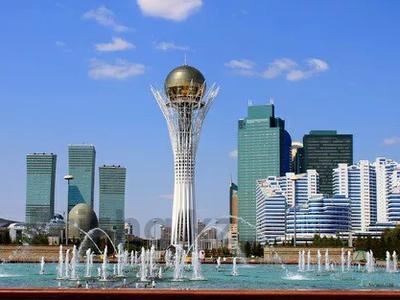 1-комнатная квартира, 50 м², 9/12 этаж посуточно, Сарайшык 34 — Акмешит за 9 000 〒 в Нур-Султане (Астана) — фото 2