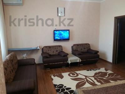 1-комнатная квартира, 50 м², 9/12 этаж посуточно, Сарайшык 34 — Акмешит за 9 000 〒 в Нур-Султане (Астана) — фото 7