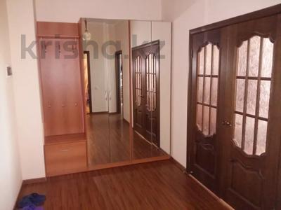 1-комнатная квартира, 50 м², 9/12 этаж посуточно, Сарайшык 34 — Акмешит за 9 000 〒 в Нур-Султане (Астана) — фото 11