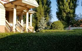 5-комнатный дом помесячно, 600 м², мкр Дубок-2, Дубок-2 мкр за 1.3 млн 〒 в Алматы, Ауэзовский р-н