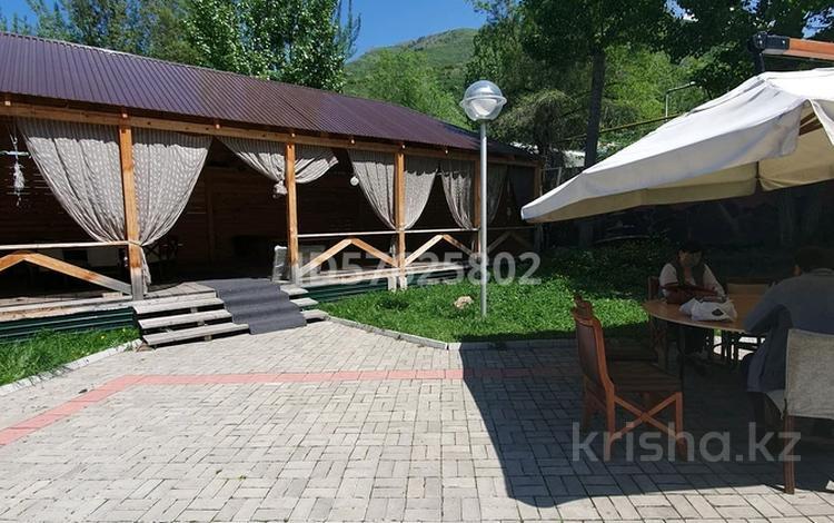 5-комнатный дом посуточно, 450 м², мкр Калкаман-2, Хантенгри 238 а за 45 000 〒 в Алматы, Наурызбайский р-н