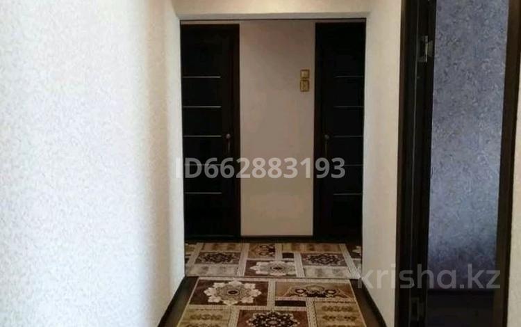 3-комнатная квартира, 67 м², 3/6 этаж помесячно, Городок Строителей 2 — Ауезова за 130 000 〒 в Кокшетау