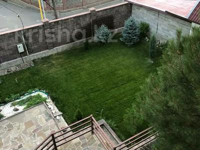 5-комнатный дом, 310 м², 7.4 сот., Сарсенбаева 174 за 107 млн 〒 в Алматы, Медеуский р-н — фото 11