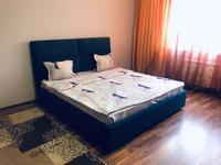 1-комнатная квартира, 65 м², 5/15 этаж посуточно, Навои 7 — Жандосова за 9 000 〒 в Алматы