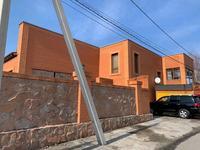7-комнатный дом, 700 м², 18 сот., Четская 128 а — Бухар Жырау за 115 млн 〒 в Караганде, Казыбек би р-н